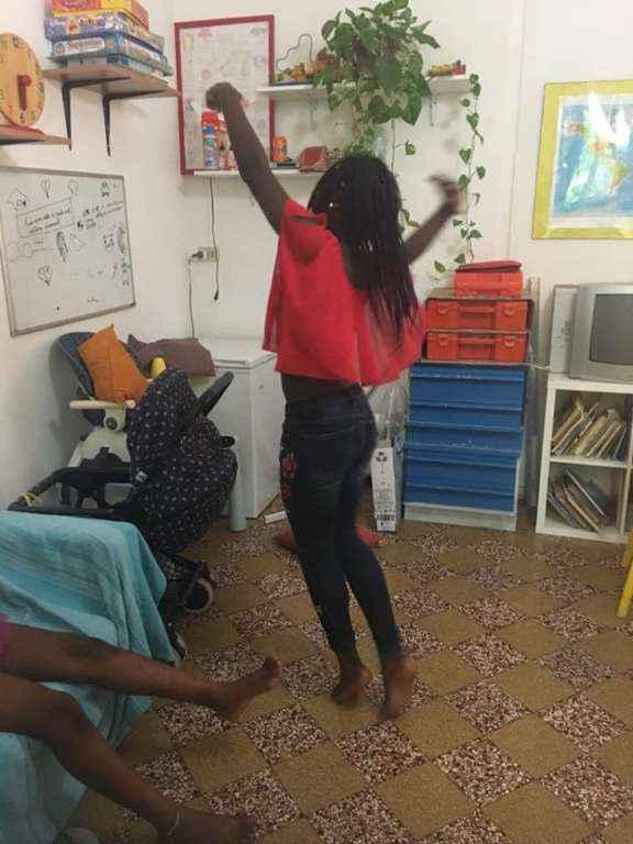 B. e F., sorelle che vivono e sognano a passo di danza