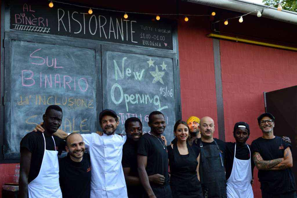 """""""Sì, chef"""": un ristorante sul binario dell'inclusione sociale"""