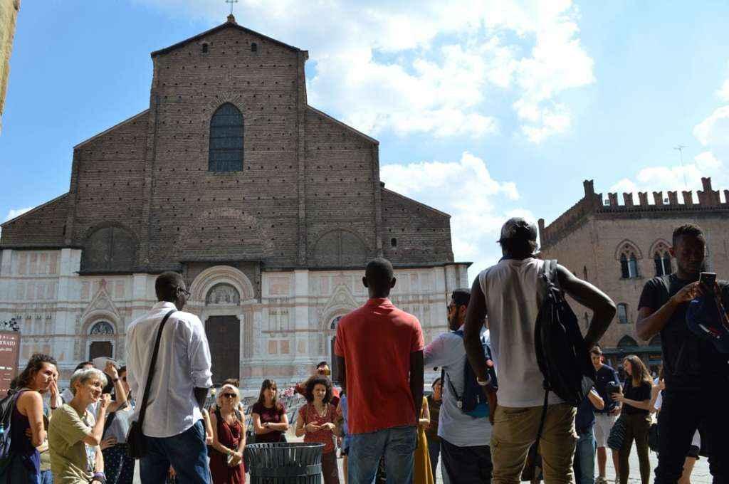"""""""Vi racconto Bologna"""": quando la guida è un migrante"""